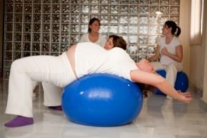Ejercicios-Embarazadas-Pelotas-Pilates