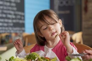 hijos-comiendo