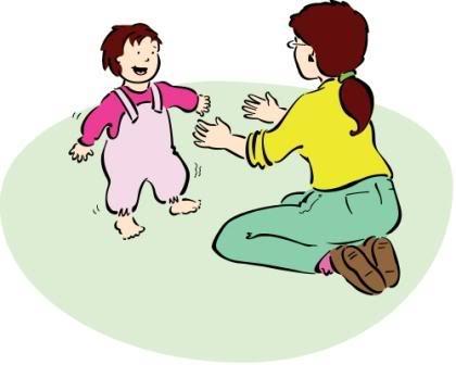 bebe-trata-de-caminar