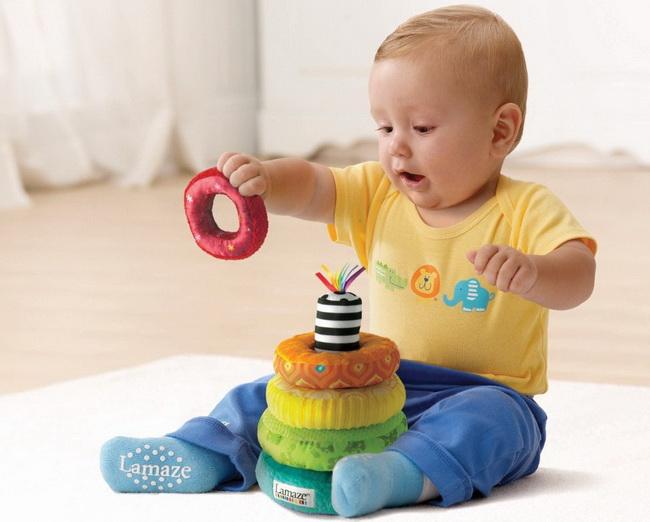 Juguetes Bebe De 8 Meses.Los Juguetes Segun La Edad De Tu Bebe Tips De Madre