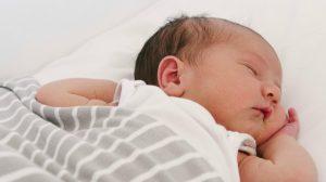 como debe dormir recien nacido