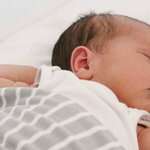 posición debe dormir un bebé recién nacido