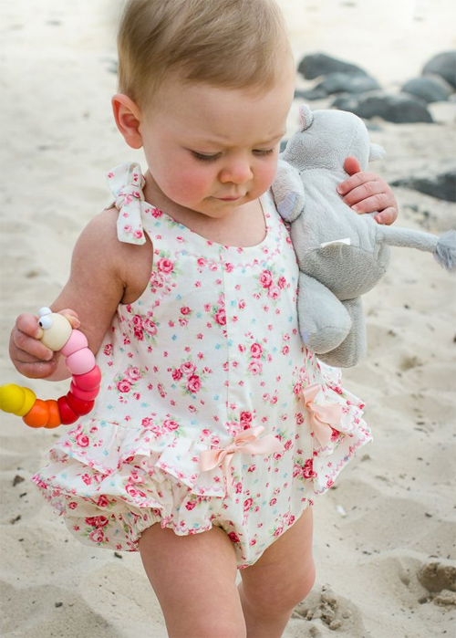 Desarrollo de tu beb de 17 meses 1 a o 5 meses tips for Jardineira bebe 1 ano